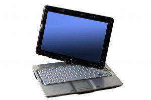 komputer mobilny z dołączaną klawiaturą