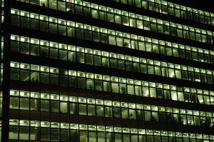 Biura w nocy